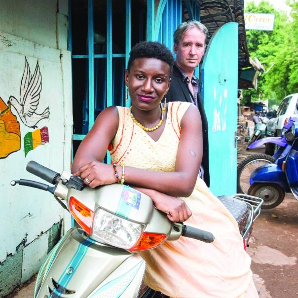 Mali. Bamako. 06/2017. Kankou et Mark Mulholland.